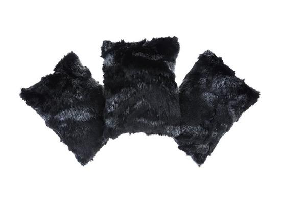 Futrzana poduszka dekoracyjna KOZA czarny 40x50 cm
